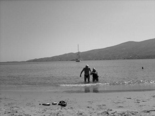 Gemeinsam im Meer in Griechenland