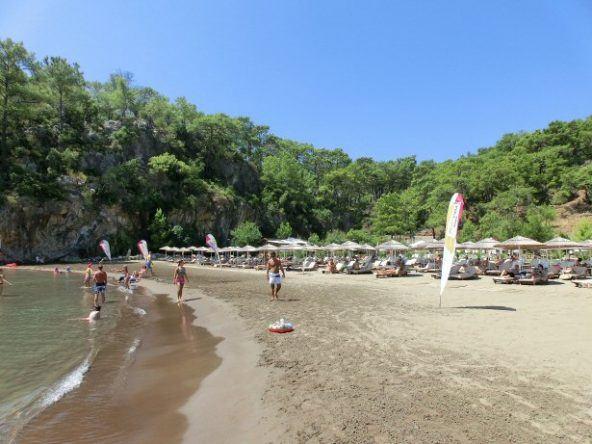 Sandstrand in der Bucht vorm Puravida Resort Seno