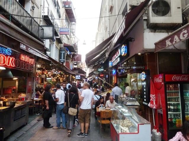 Eine Seitenstraße der Istiklal Cadessi