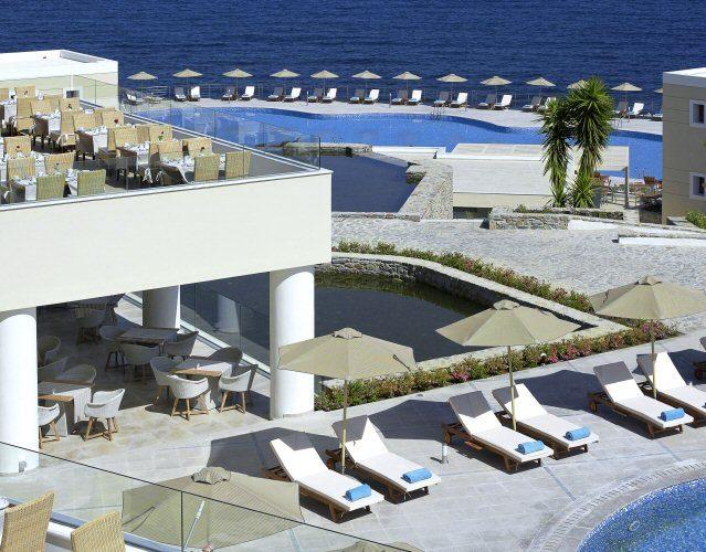 Außenanlage des Sensimar Royal Blue Resort & Spa auf Kreta