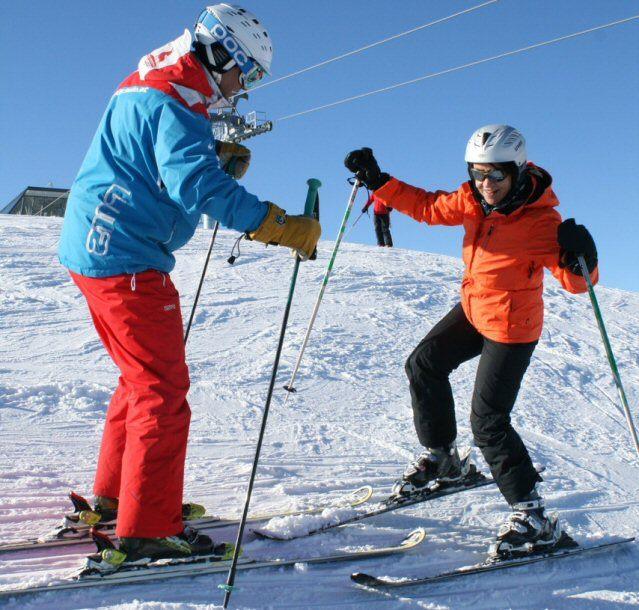 Autorin Dagmar Gehm auf Skiern