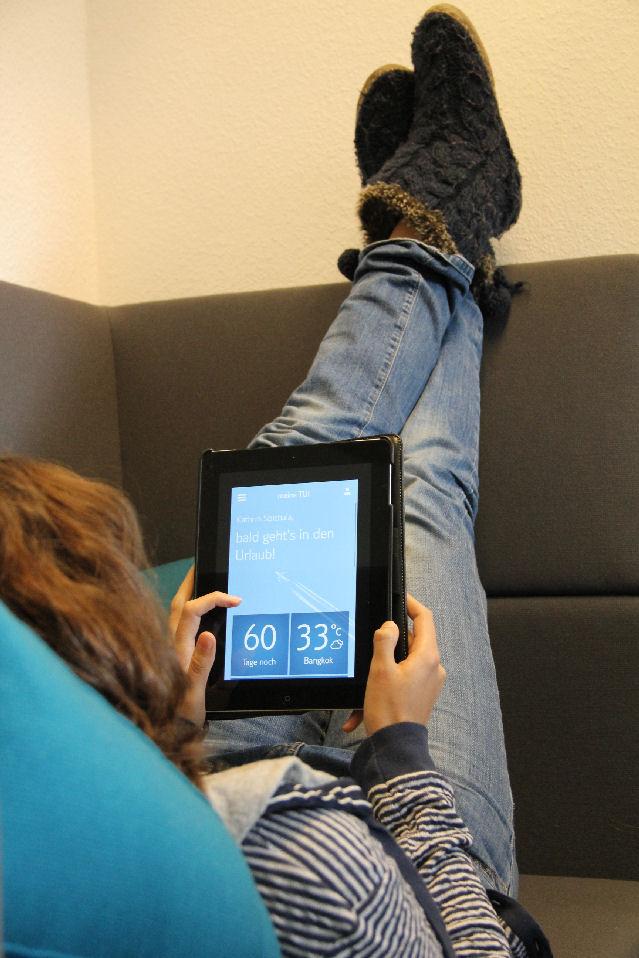 Urlaubsvorfreude via iPad: Auch wenn das Sofa in Hannover steht, bin ich in Gedanken schon in Thailand.