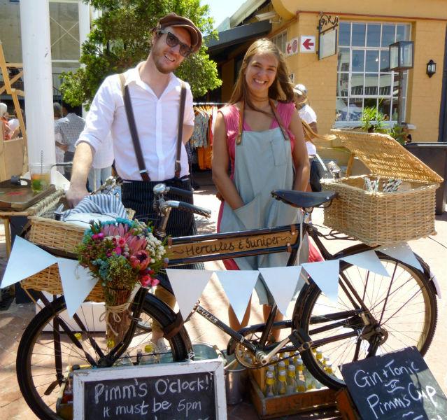 Pärchen mit Fahrrad-Bar
