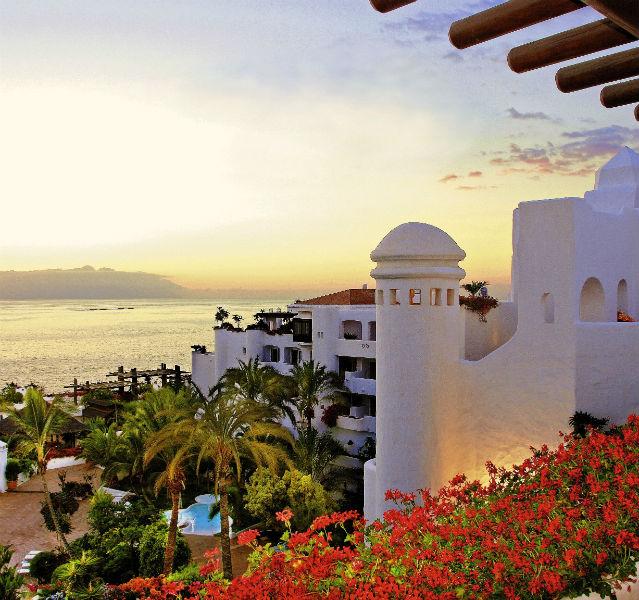 Das Puravida Resort Jardin Tropical im Abendlicht