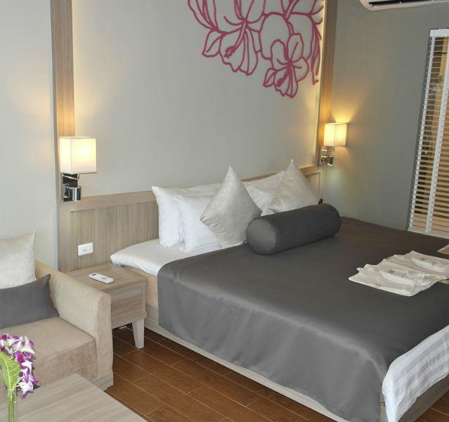 Richtig schön UND richtig gemütlich: Deluxe Zimmer im Sensimar Resort Khao Lak