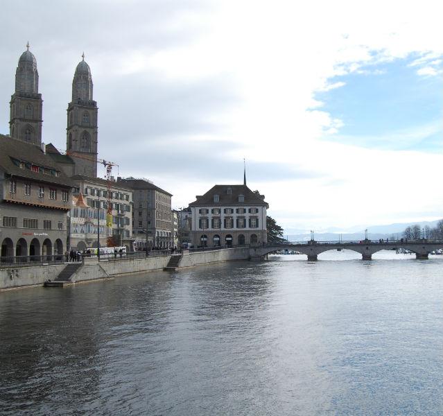 Zürich Brücke am Fluss