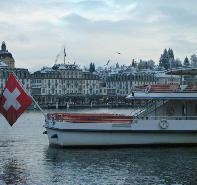 """Der Schweizerhof ist DAS Festival-Hotel der Stadt, wo auch viele Musiker wohnen. Richard Wagner hat in dem traditionsreichen Hotel an seiner Oper """"Tristan und Isolde"""" gearbeitet"""