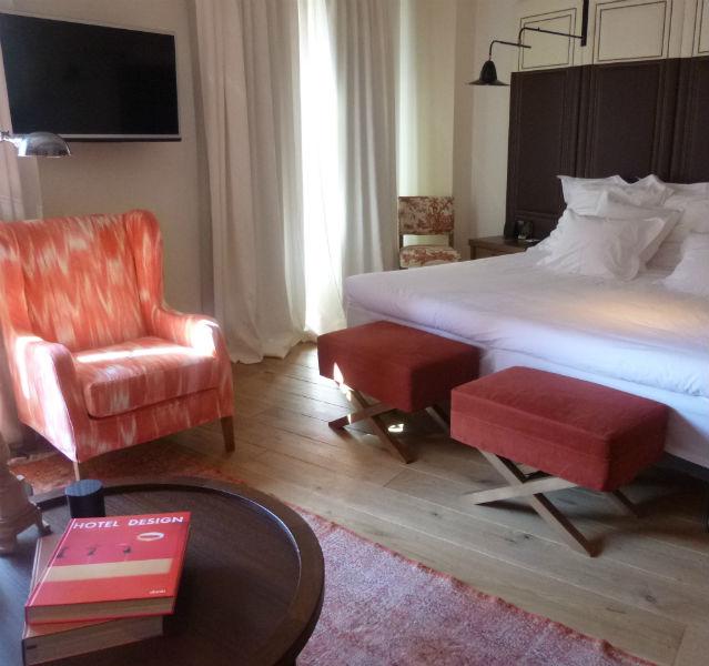Maximalismus, statt Minimalismus, heißt der neue Trend in Hotelzimmern, wie hier im Cort Hotel: viele verschiedene Stile, Kompaktheit, Gemütlichkeit