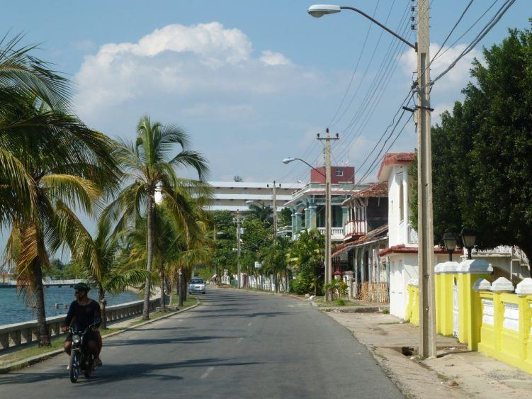 Küstenstraße Cienfuegos (Kuba)
