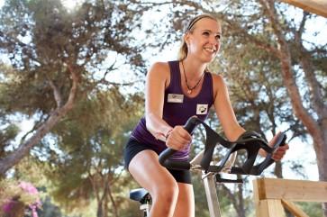 Kathy PURAVDIA Blau Porto Petro Fitnesstrainerin