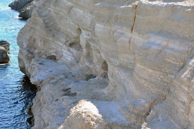 Akra Fourni Höhlen Rhodos