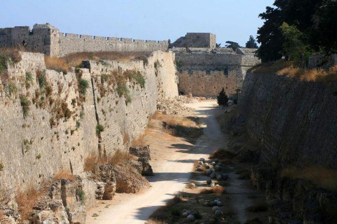 Historische Stadtmauer von Rhodos-Stadt