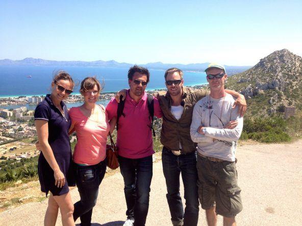 Dominic Boeer und Team auf Mallorca