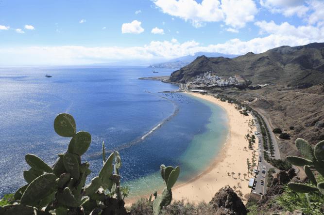 Der Playa de las Teresitas ist der schönste Strand Teneriffas