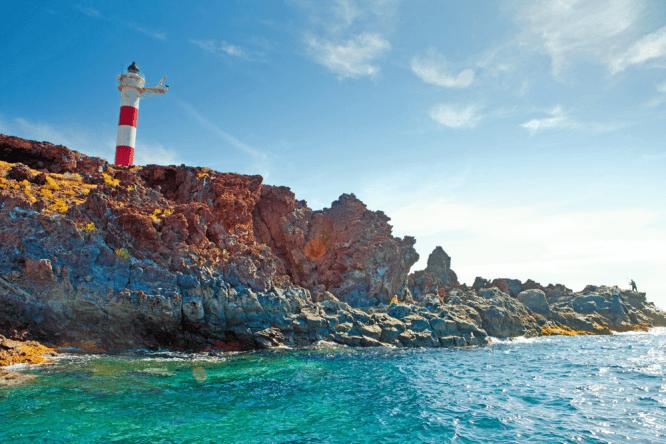 Schroffe Felsen, blaues Meer, endlose Strände - Urlaubsparadies Teneriffa