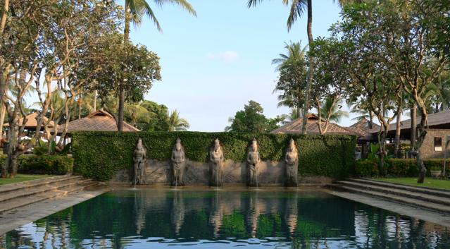 Ausreichend Platz für entspannte Stunden am Pool