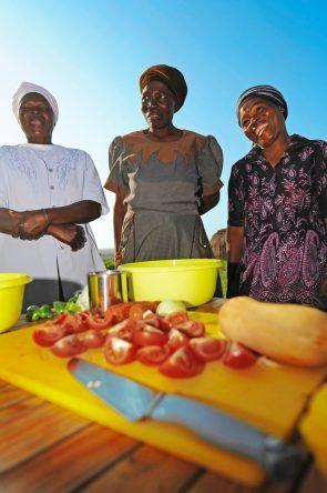 Zulu Frauen beim Kochen