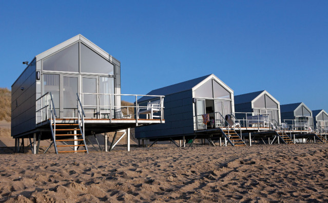strandhaus f r 6 personen bei julianadorp. Black Bedroom Furniture Sets. Home Design Ideas