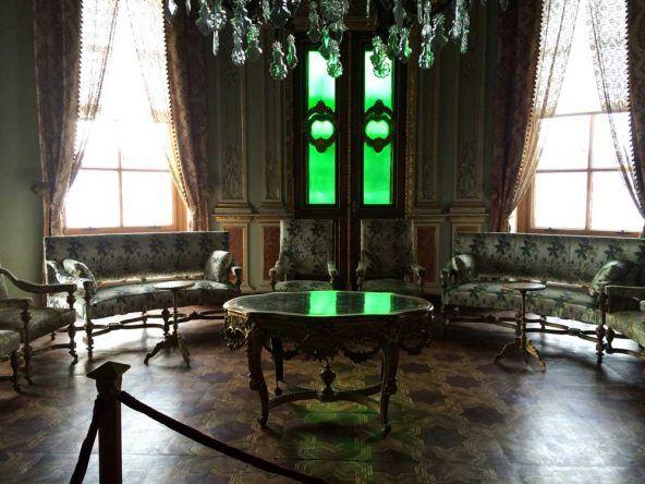 Im Inneren des Kücüksu Palast