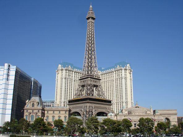 Paris - dieses Resort sieht wie eine Hollywood-Version der französischen Hauptstadt aus