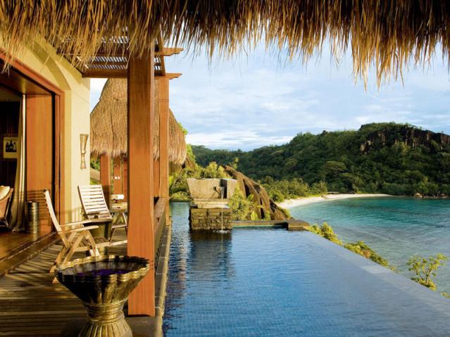 Dein ganz persönlicher Infinity Pool im Maia Luxury Resort & Spa auf den Seychellen