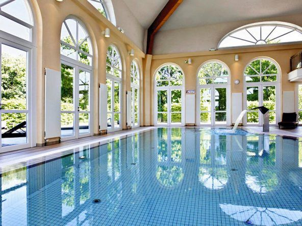 Wellness Hallenbad im Radisson Blu Resort Schloss Fleesensee