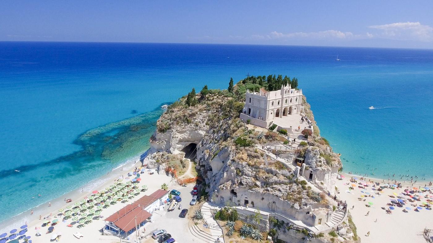Gehört eindeutig zu den schönsten Stränden Italiens: Tropea
