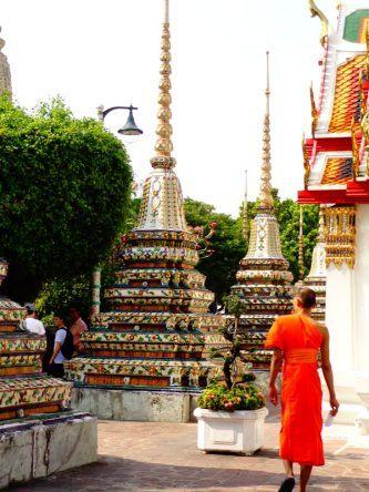 Mönch im Wat Pho