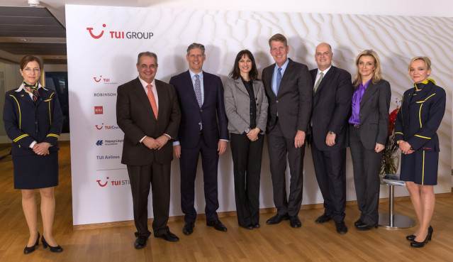 TUI CEO Fritz Joussen und Vorstandsmitglieder empfangen Gäste im Hauptstadtbüro