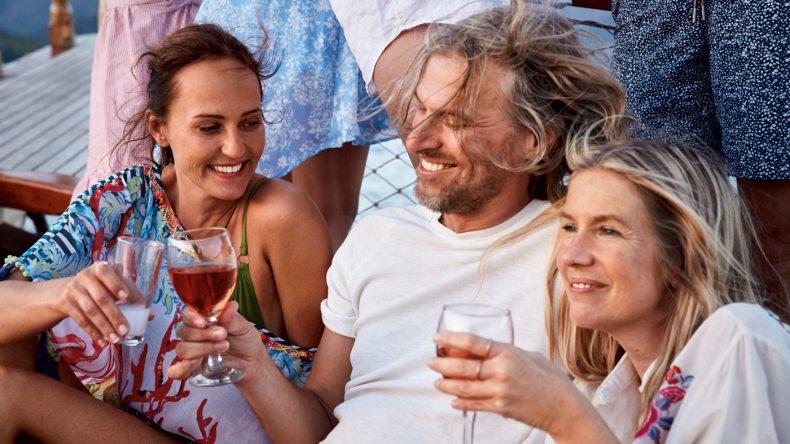 Auch tolle Partys am Strand gehören ab dem Sommer ins Programm der TUI SENSIMAR Hotels.