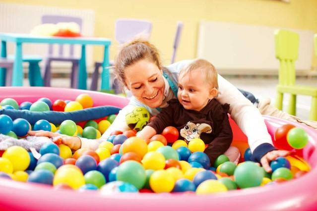 Entdecke in deinem Urlaub vielfältige Babyprogramme in den TUI best FAMILY Hotels