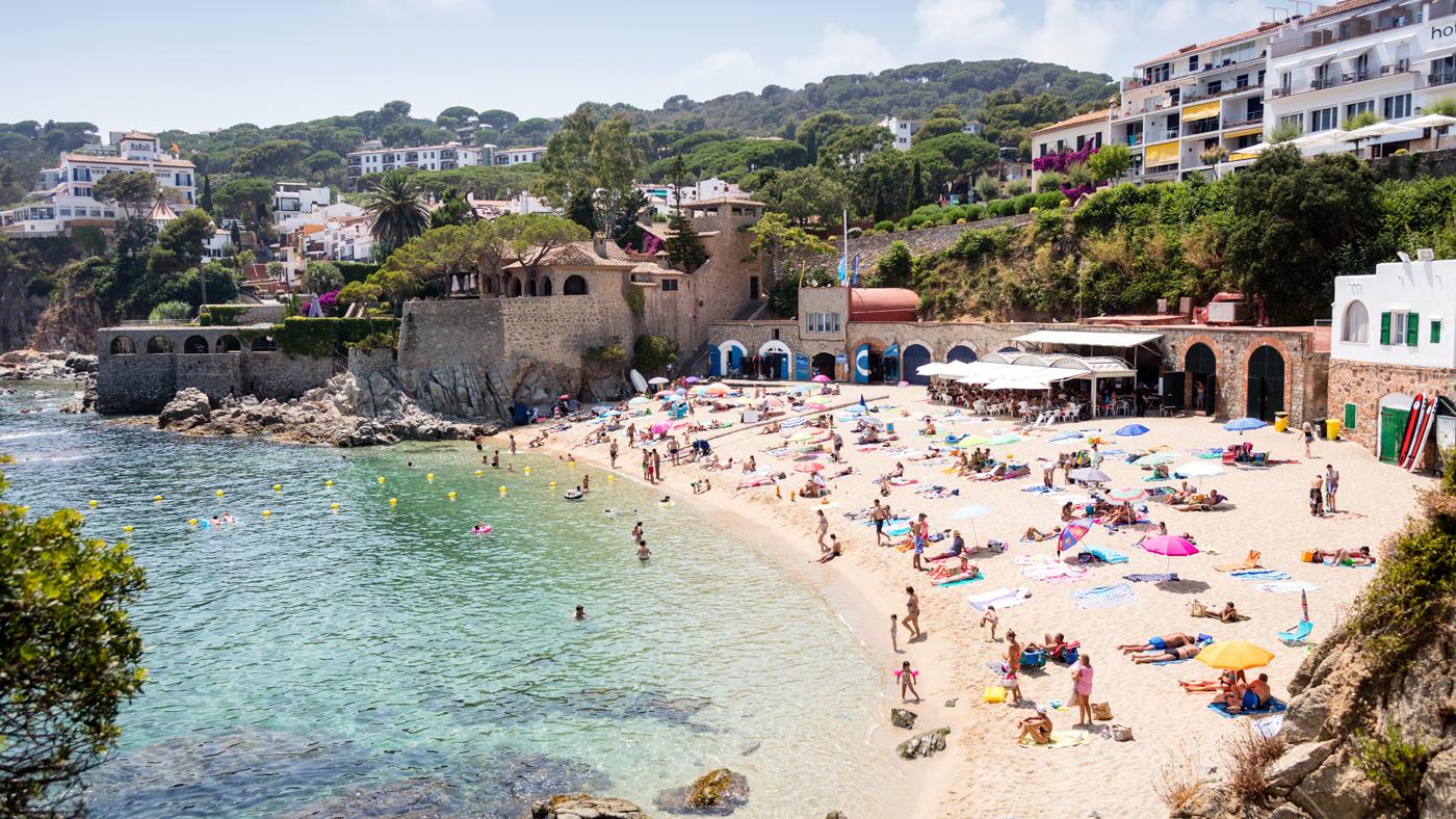 Zaton Holiday Resort liegt direkt am gleichnamigen Strand in Kroatien