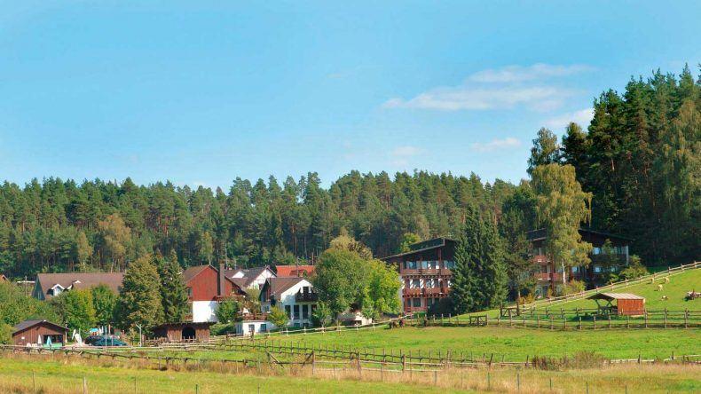 urlaub-mit-baby-best-family-waldhotel-bächlein