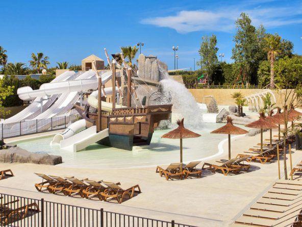 Themen-Aquapark im TUI KIDS CLUB Cala Mandia auf Mallorca: Das Priatenschiff