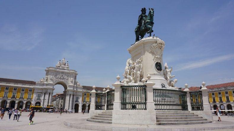 Die Praça do Comércio: Eines der wichtigsten Plätze in Lissabon