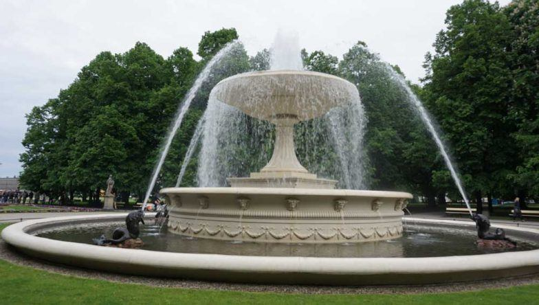 Der berühmte Brunnen im Sächsischen Garten
