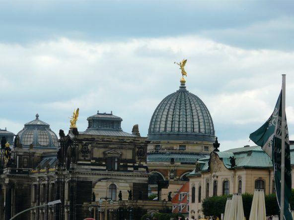 Engel über Dresden