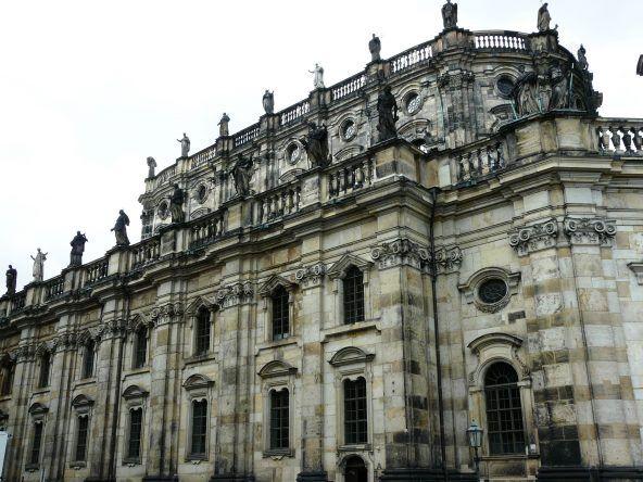 Die katholische Hofkirche