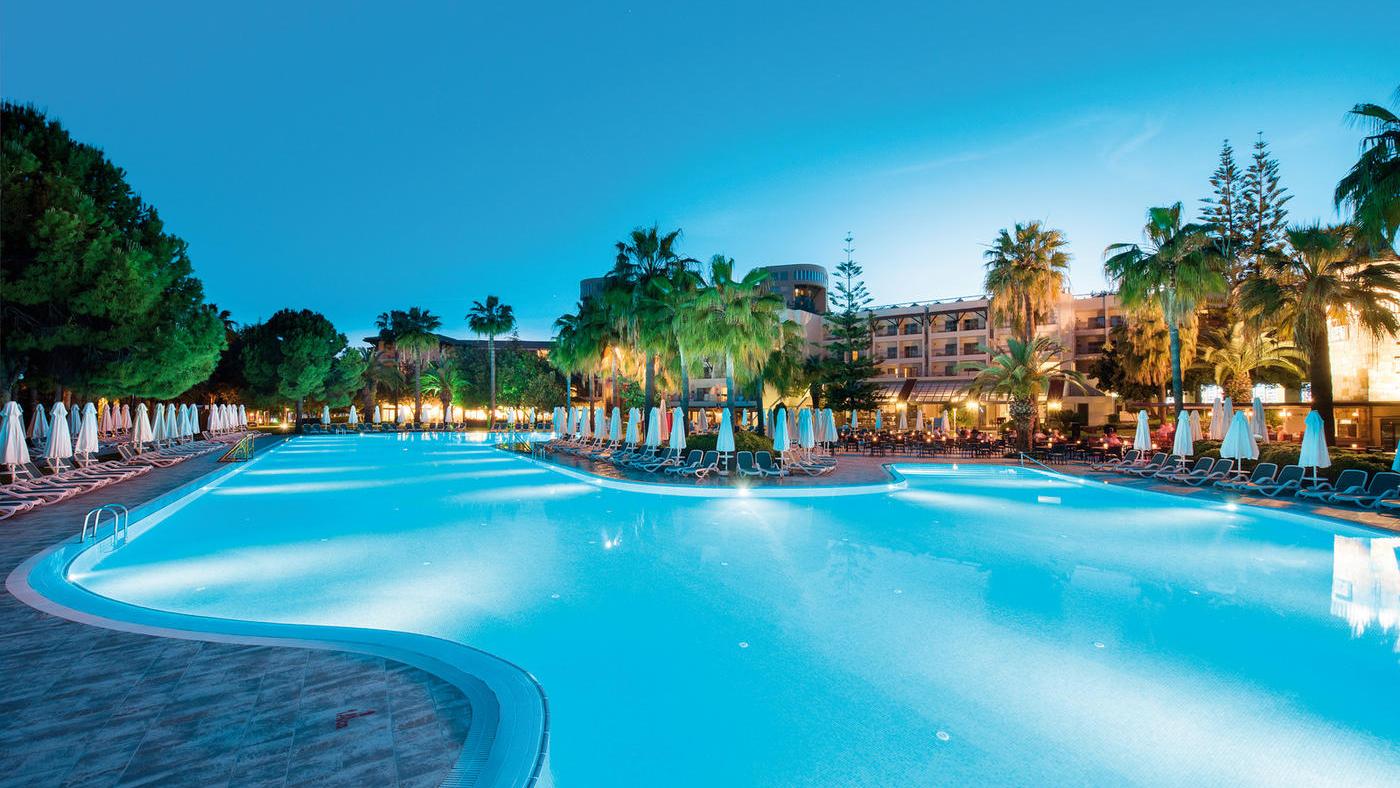 Das Barut Hemera überzeugt nicht nur mit einem schönen Wellness- und Poolbereich