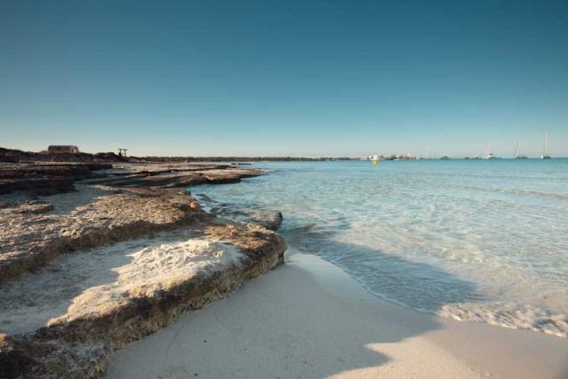 Unweit von Es Trenc auf Mallorca gibt es schöne FKK Strände