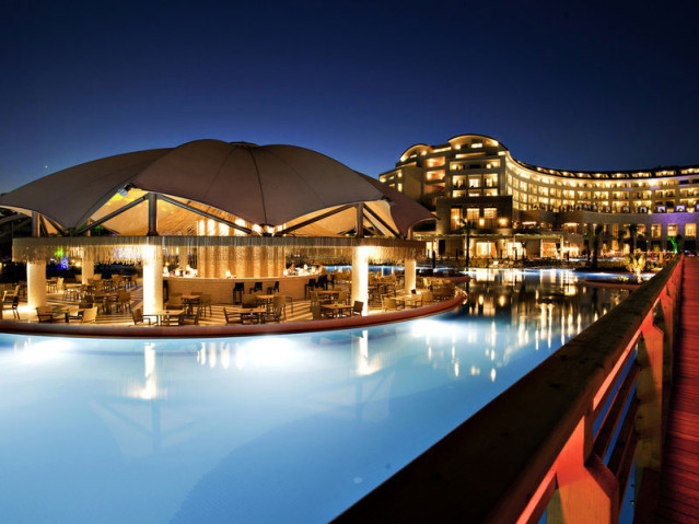 Hotel der Superlative: RIU Kaya Palazzo mit beheizbarem VIP-Pool