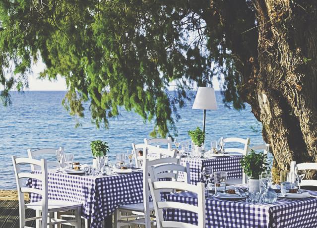 Blau-weiß karierte Tischdecken