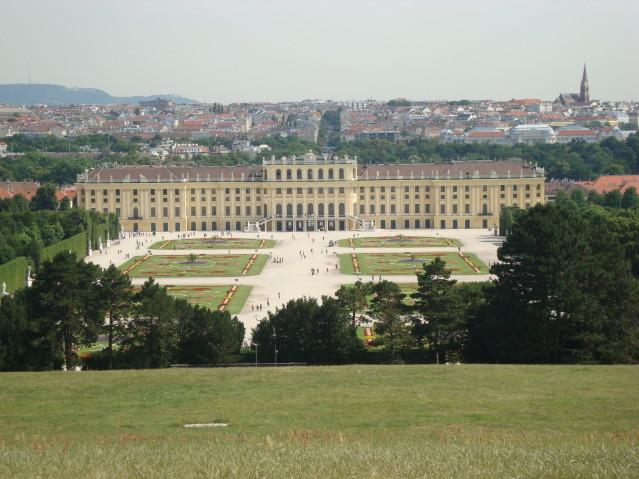 Schloss Schönbrunn: Im 13. Wiener Bezirk wandelt man auf den Spuren der Vergangenheit.