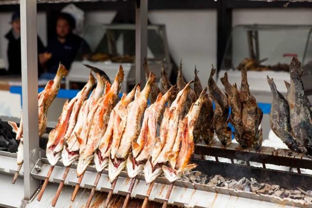 Fischer Vroni mit leckerem Steckerl-Fisch
