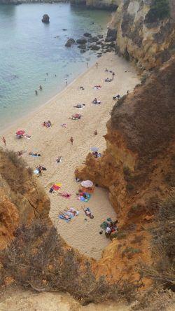 Die Praia do Pinhão von oben