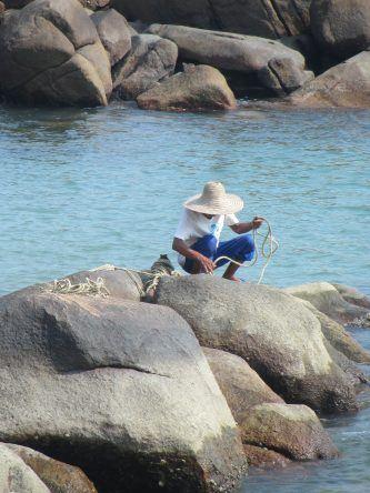 Ein Fischer auf Lamma Island