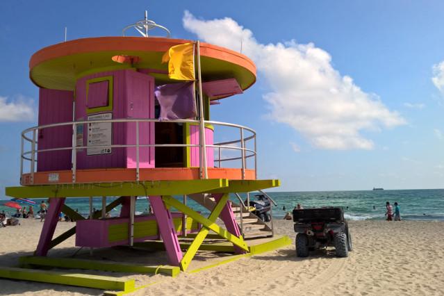 von der 12th street bis zum south pointe die lifeguard strandh uschen am miami beach tui. Black Bedroom Furniture Sets. Home Design Ideas