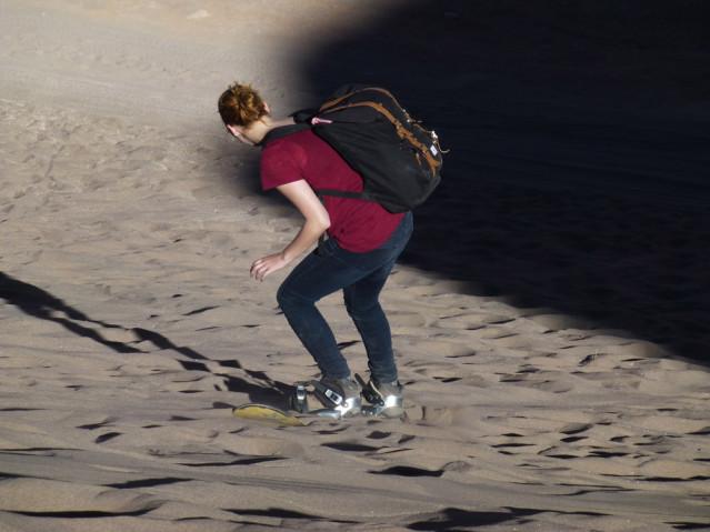 Ein Punkt auf meiner Bucket List: Sandboarding in der Sahara