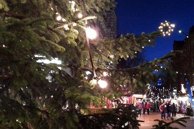 Weihnachtsmarkt auf der Lister Meile in Hannover