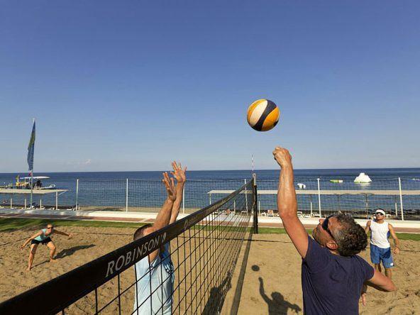 Sportspaß beim Beachvolleyball